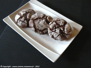Biscuits craquelés au chocolat presentation
