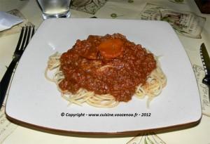 Sauce bolognaise presentation