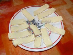 Omelette roulee au jambon et camembert etape1