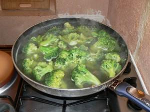 Onigiri, boulettes de riz au saumon et brocolis etape1