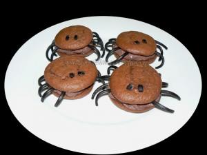 "Whoopies ""araignees"" au chocolat presentation"