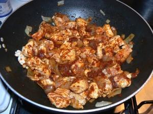 Poulet à la pate de curry rouge etape1
