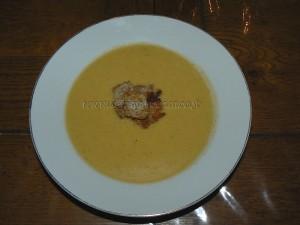Soupe de courge butternut orangee fin