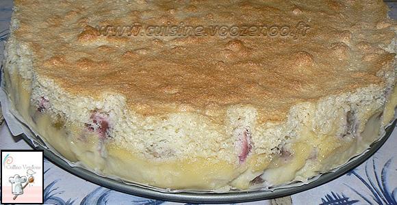 Gâteau magique à la rhubarbe une