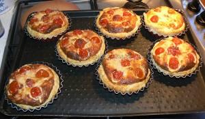 Tartelettes aux tomates cerises, parmesan et basilic etape4