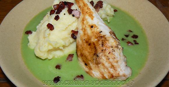 Blancs de poulet grillés, crème de petits pois et pureé maison une