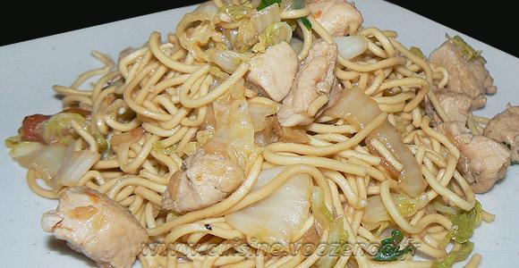 Wok de chou chinois (psé-tai) au poulet et gingembre une