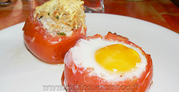 Tomates farcies au riz et oeufs gratines une