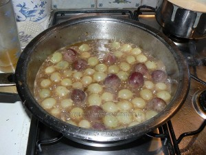 Cailles aux raisins frais, quenelles sauce roquefort etape3