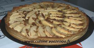 Tarte aux pommes, crème de mascarpone et miettes de spéculoos une