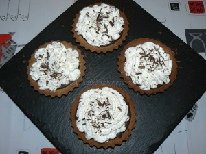 Tartelettes choco-coco, chantilly à la crème de coco fin