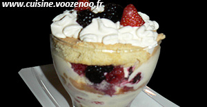 Layer cake, fruits rouges en verrines une