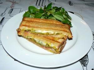 Croque monsieur aux courgettes et bacon fin