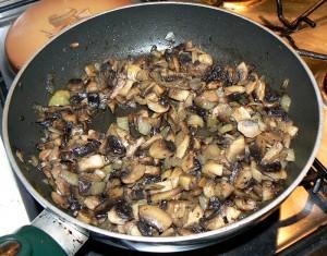 Tourte au jambon, champignons et fromages etape1