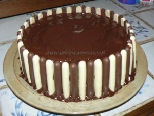 Gâteau au chocolat, finger et fruits rouges pour paques etape6