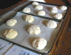 Briochettes à la crème pâtissiere et myrtilles etape5