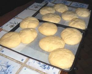 Briochettes à la crème pâtissiere et myrtilles etape6