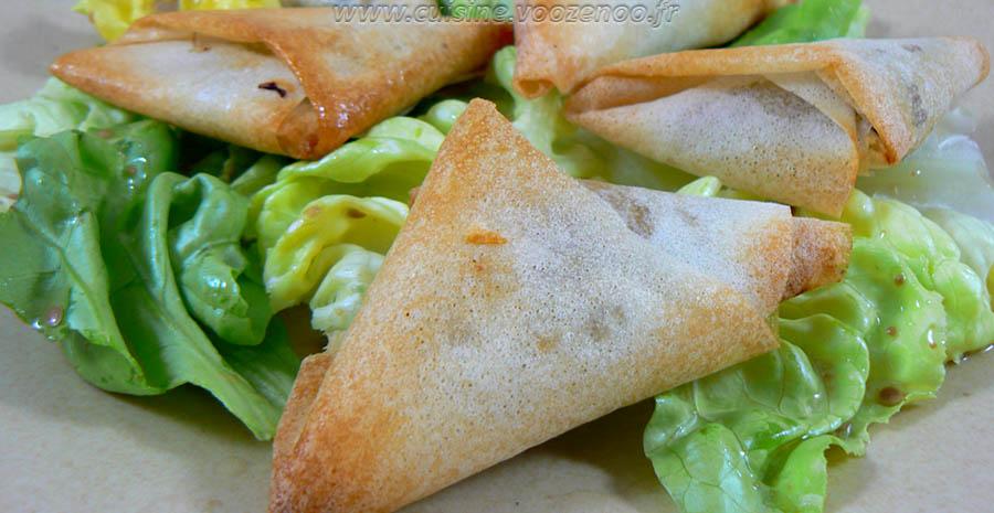 Samoussas aux epices, herbes fraiches et viande hachee slider
