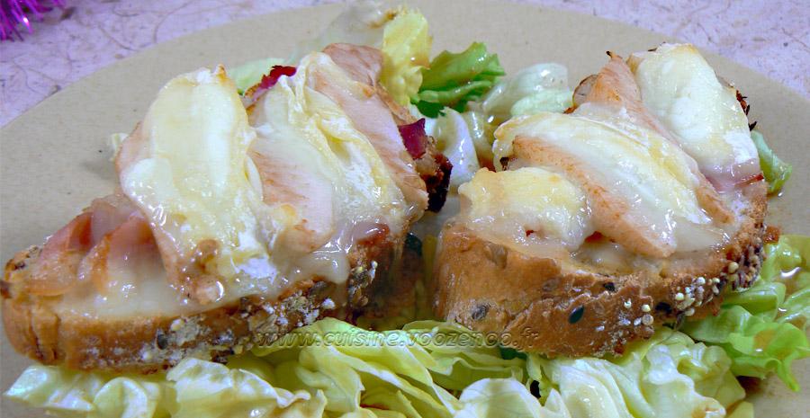 Tartines au jambon, poire et rocamadour slider