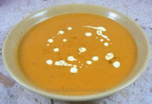 Soupe de patates douces au lait de coco fin
