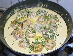 Boulettes de poulet, sauce coco et citron vert etape6
