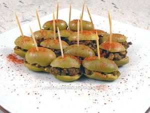 Olives vertes farcies presentation