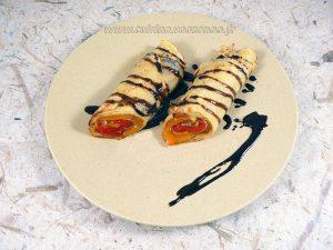 Crêpes roulées aux poivrons confits, reduction balsamique fin