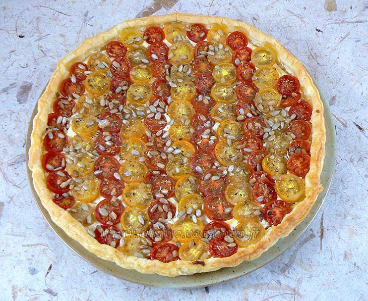 tarte bicolore aux tomates cerises une cuisine pour voozenoo. Black Bedroom Furniture Sets. Home Design Ideas