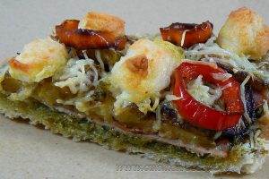 Bruschetta au pesto de courge, bacon, courgettes et chevre slider