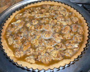 Tarte aux noix et caramel, glaçage à l'abricot étape11