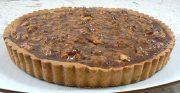 Tarte aux noix et caramel, glaçage à l'abricot