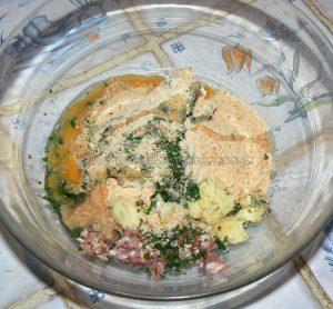 Cuisse de dinde farcie, sauce vin blanc et champignons etape1