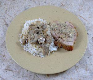 Cuisse de dinde farcie, sauce vin blanc et champignons fin