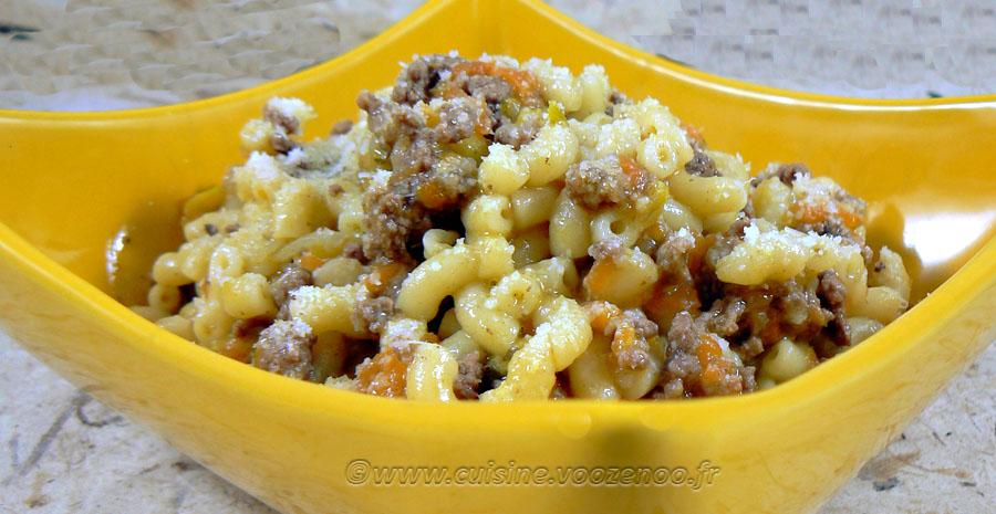 Pâtes comme un risotto aux légumes et viande slider