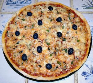 Pizza aux fruits de mer fin