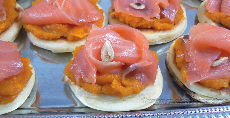 Crème de butternut, saumon sur blinis maison slider