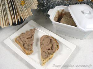 Mousse de foies de volaille à l'Armagnac presentation