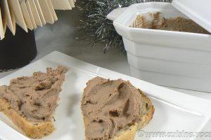 Mousse de foies de volaille à l'Armagnac slider