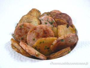 Pommes de terre sautées au saucisson à l'ail presentation
