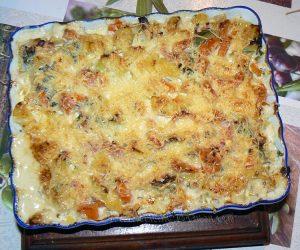 Gratin de pommes de terre, carottes, poireaux et Fourme d'Ambert fin