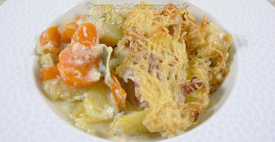 Gratin de pommes de terre, carottes, poireaux et Fourme d'Ambert slider