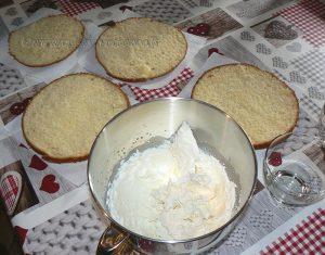 Gâteau au yaourt en verrine façon layer cake etape6