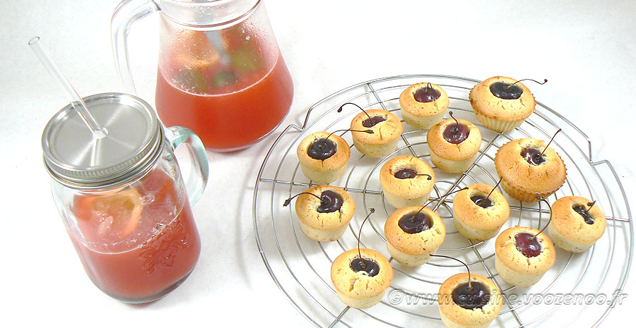Jus de pastèque et mini financier cerise slider