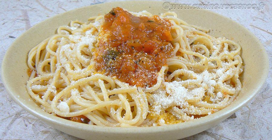 Spaghettis, sauce tomates fraiches provençale slider